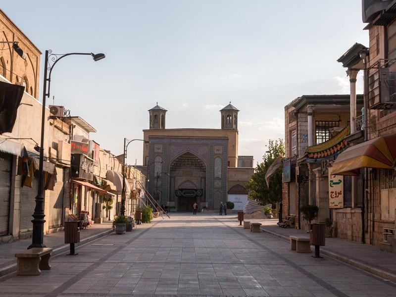 ورودی مسجد وکیل شیراز