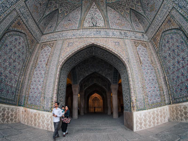 ورودی ایوان شبستان مسجد وکیل