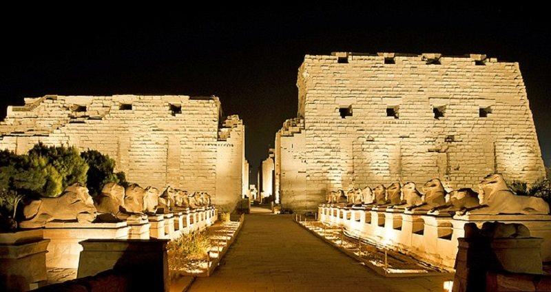 معبد کرنک جاهای دیدنی مصر